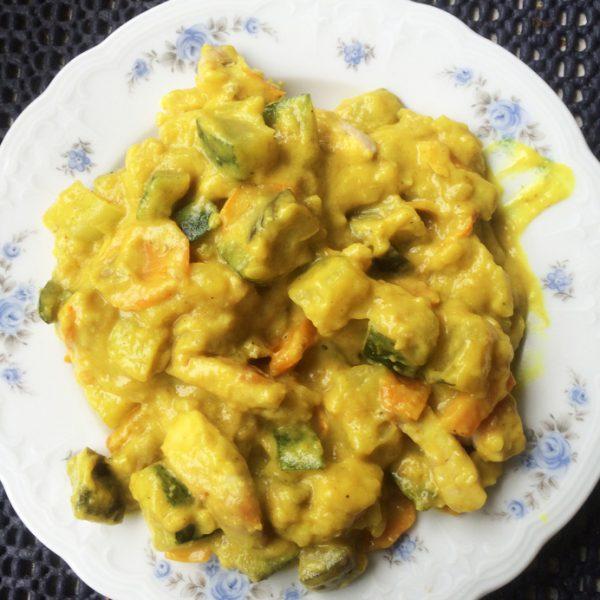 Hühnerbrüstchen mit Gemüse und Soße
