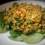 Quinoa-Curry mit Spinat und Garnelen